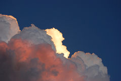 Nubi internamente illuminate Immagine Stock Libera da Diritti