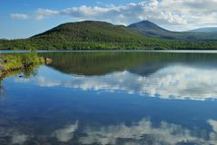 Nubi in lago Immagine Stock Libera da Diritti