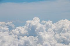 Nubi nel cielo Immagini Stock