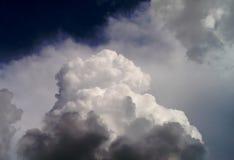 Nubi pericolose Immagine Stock