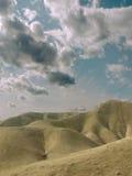 Nubi sopra il deserto. Fotografia Stock