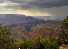 Nubi sopra il grande canyon Immagini Stock Libere da Diritti