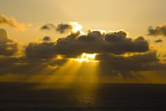 Nubi sopra l'oceano Immagini Stock Libere da Diritti
