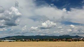 Nubi sopra la città Fotografia Stock