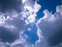 Nubi sul cielo Immagine Stock