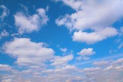 Nubi sul cielo Immagini Stock