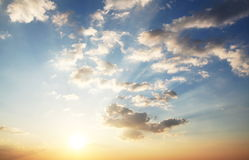 Nubi sul tramonto Fotografia Stock Libera da Diritti