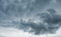 Nubi tempestose scure Priorità bassa drammatica Fotografia Stock Libera da Diritti
