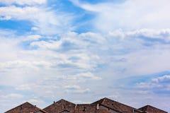 Nubla-se o céu azul Imagens de Stock Royalty Free