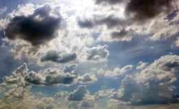 Nublado con el cielo azul Foto de archivo libre de regalías