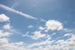 Nuble-se com céu azul Foto de Stock
