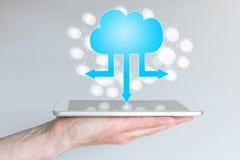 Nuble-se a computação e a computação móvel para telefones e tabuletas espertos Fotografia de Stock Royalty Free