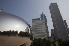Nuble-se a porta ou o feijão no parque do milênio de Chicago Imagens de Stock