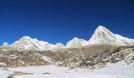 Nuchetop naast van meest everest Nepal Stock Foto