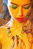 Nude γυναίκα σωμάτων με τη ζωηρόχρωμη σύνθεση Στοκ φωτογραφίες με δικαίωμα ελεύθερης χρήσης