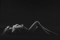 Nude γλουτοί γυναικών ερωτικοί Στοκ φωτογραφία με δικαίωμα ελεύθερης χρήσης