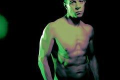 Nude μυϊκό κατάλληλο άτομο γυμνό Στοκ φωτογραφία με δικαίωμα ελεύθερης χρήσης
