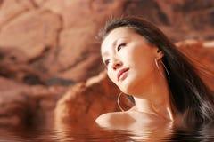 nude προκλητική γυναίκα ύδατ&omi Στοκ Εικόνες