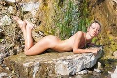 Nude όμορφο κορίτσι Στοκ Φωτογραφίες