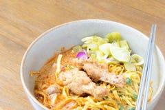 Nudel Khao soi, siamesische Nahrung Lizenzfreie Stockfotografie