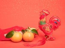 Nudo chino de la tradición: Gallo de la muñeca del paño Imagenes de archivo