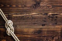 Nudo marino en cubierta de madera fotos de archivo libres de regalías