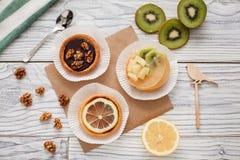 Nueces de la fruta de las tortas Imagen de archivo libre de regalías