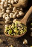Nueces de pistacho orgánicas crudas Imagen de archivo libre de regalías
