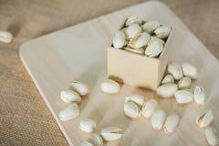 Nueces de pistachos saladas fotografía de archivo libre de regalías