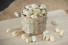 Nueces de pistachos saladas fotografía de archivo