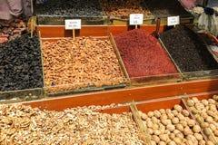 Nueces y especias de Ried en Istambul Imagen de archivo libre de regalías