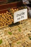 Nueces y especias de Ried en Istambul Imagenes de archivo
