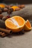 Nueces y fruta cítrica Foto de archivo libre de regalías