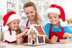 Nuestra casa de la galleta del pan de jengibre de la Navidad foto de archivo