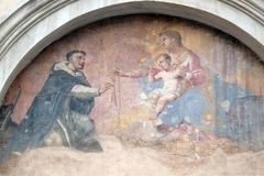 Nuestra señora con el niño Jesús y St Dominic Foto de archivo