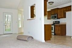 Nueva alfombra/cocina remodelada imagen de archivo