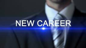 Nueva carrera, pantalla táctil masculina del traje oficial que lleva, empleo, profesional almacen de video