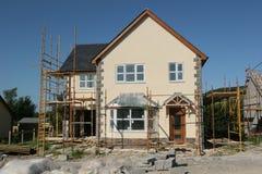 Nueva casa bajo construcción Fotos de archivo libres de regalías