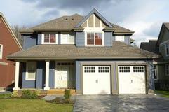 Nueva casa del hogar de las propiedades inmobiliarias imagen de archivo libre de regalías