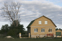 Nueva casa no todavía construida. Imagen de archivo libre de regalías