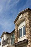 Nueva casa urbana con el balcón Foto de archivo