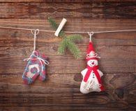 Nueva composición de la Navidad hecha a mano de los juguetes Foto de archivo