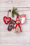 Nueva composición de la Navidad hecha a mano de los juguetes Fotos de archivo libres de regalías