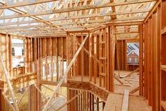 Nueva construcción casera con el marco de madera de la casa Fotografía de archivo
