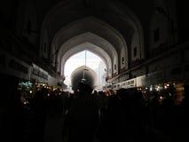 Nueva Deli, la India - enero de 2019: Dentro de la vista del mercado en el fuerte rojo El mercado fue construido por en el siglo  fotografía de archivo libre de regalías