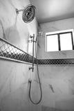 Nueva ducha principal casera moderna fotografía de archivo libre de regalías