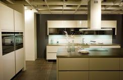 Nueva escala moderna 12 de la cocina Foto de archivo libre de regalías