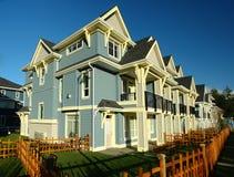 Nueva fila de las casas de los hogares Foto de archivo libre de regalías