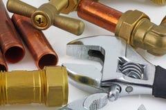 Nueva fontanería de cobre lista para la construcción Foto de archivo libre de regalías