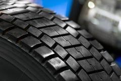 Nueva foto del primer del neumático del coche Imágenes de archivo libres de regalías